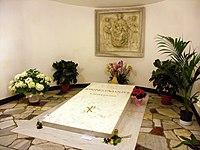 Papst Johannes Paul II. - 1. Grabmal (2005-2011) 2.jpg