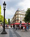 Paris 20130807 - Street lamp, Champs-Élysées.jpg