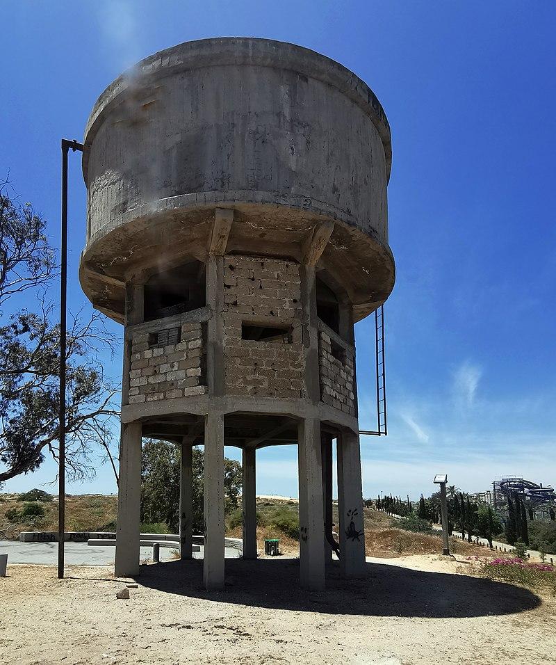 מתחם מגדל המים במולדת שבחולון