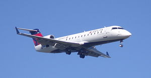 Endeavor Air - An Endeavor Air Bombardier CRJ200LR on approach to Ronald Reagan Washington National Airport