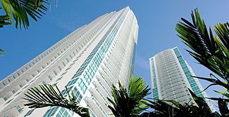Plaza on Brickell - View from the street