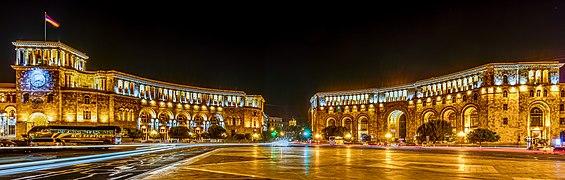 Plaza de la República, Ereván, Armenia, 2016-10-02, DD 117-119 HDR.jpg