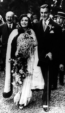 Negri and second husband Serge Mdivani on their wedding day, 14 May 1927 Pola Mdivani wedding 6.jpg