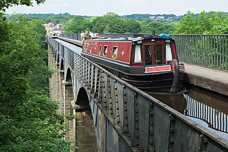 Pontcysyllte Aqueduct - A boat travelling south on the aqueduct