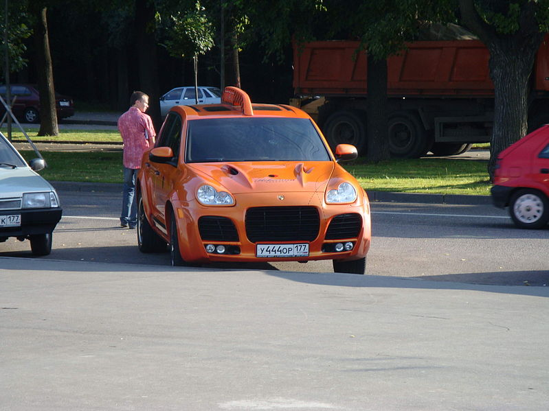 Taxi Porsche Cayenne TechArt Magnum Moscow Moscú