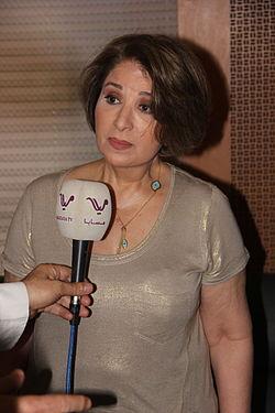 قصة حياة الممثلة بوسي نشاتها 14