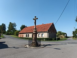 Cross at the main road