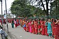Queue at Pashupatinath01.JPG
