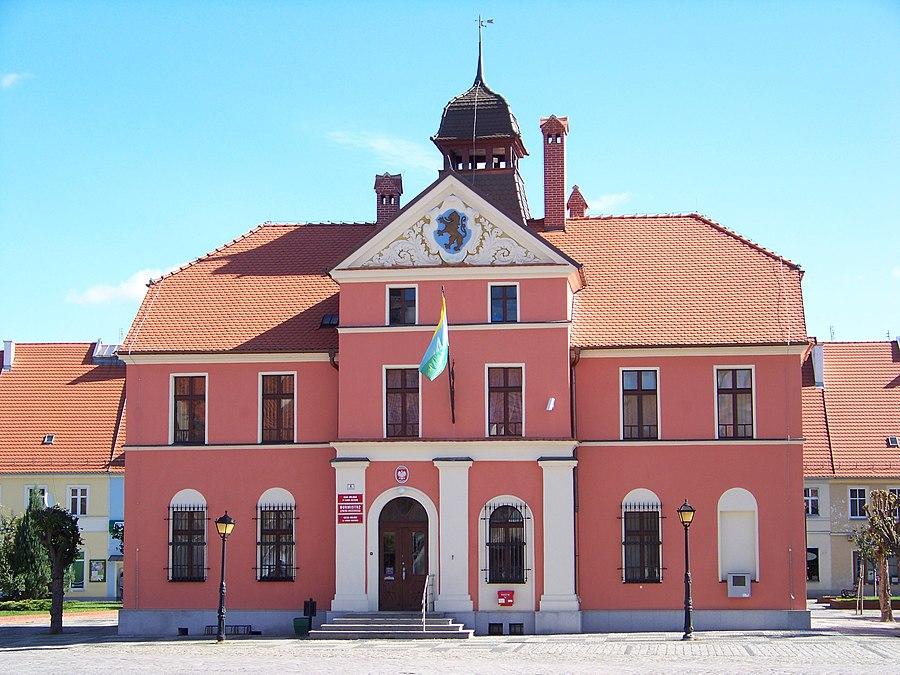 Lewin Brzeski Town Hall