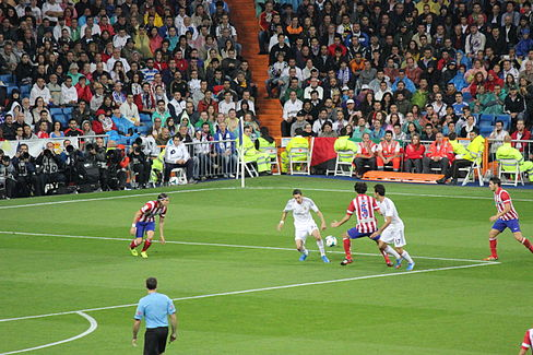 Real Madrid vs. Atlético Madrid 28 September 2013 02.jpg