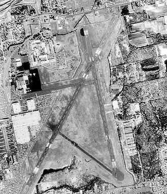 Rentschler Heliport - Image: Rentschler Field (Airport) CT 23 April 1990