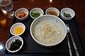 Rice porridge with abalone flavor (9578736740).jpg