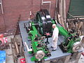 Robey cross compound steam engine, from above with figure, Bolton museum.jpg