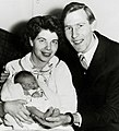 Roger Bannister with family 1957.jpg