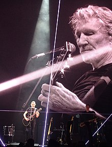 Roger Waters in Concert - Rogers Arena - Vancouver - BC - Canada - 08 (24167293158) (2).jpg