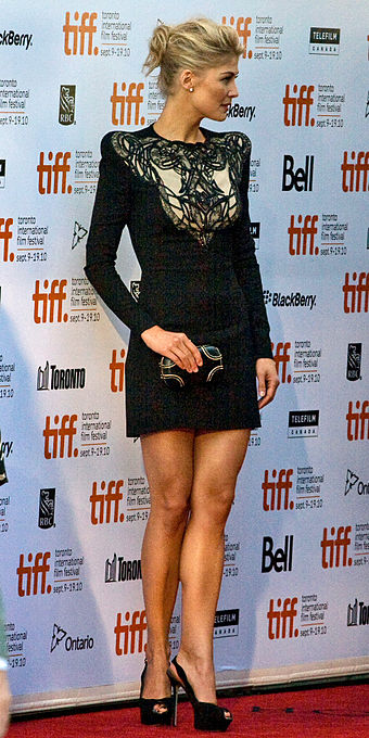Pike at the premiere of Barney's Version during the 2010 Toronto International Film Festival Rosamund Pike (cropped).jpg