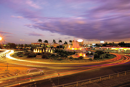 The capital city Managua at night Rotonda Ruben dario.jpg
