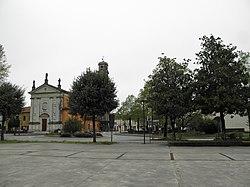 Rotonda di via Garibaldi e parrocchiale di Sant'Andrea Apostolo (Cadoneghe).jpg