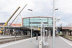 S-Warschauer neue Fußgängerbrücke-3.jpg