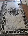S. croce, tomba sul pavimento 99.06 nesi.JPG