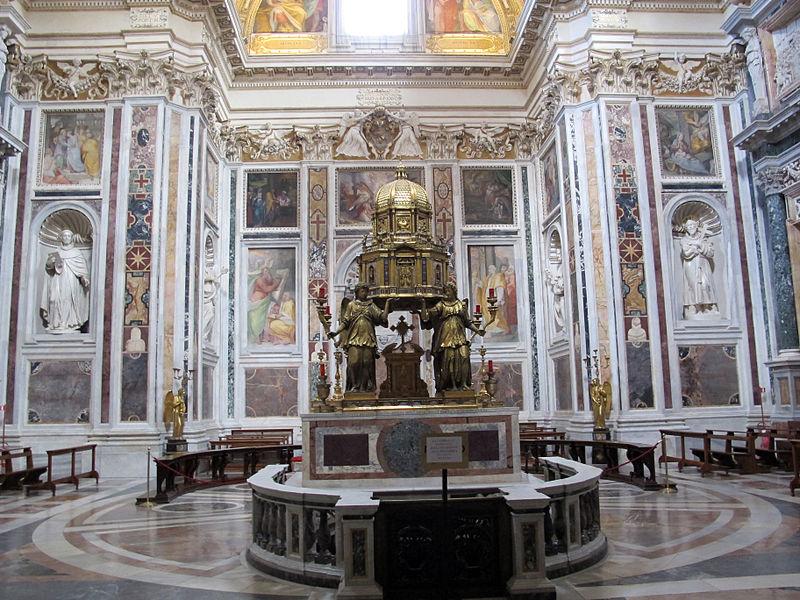 S.m. maggiore, cappella del ss. sacramento (sistina), del fontana (1584-7) con amrmi dal settizionio 05.JPG