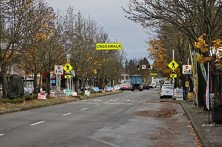 Lake City Way (SR 522) northbound in the commercial district of Lake City in Seattle SR 522 (Lake City Way) in Lake City, Seattle - 01.jpg