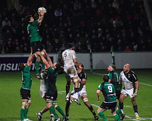 Connacht Rugby - Lineout against Toulouse in their 2011–12 Heineken Cup group stage match at Stade Ernest-Wallon