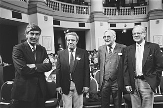 Vladimir Bukovsky - Bukovsky at 5th Sakharov Conference, May 1987, Netherlands: (l. to r.) Prime Minister Lubbers, Vladimir Bukovsky, Professor Bezemers, Professor Robert Conquest