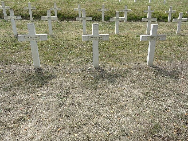 Saint-Rémy-la-Calonne (Meuse) nécropole nationale (07) trois tombes de la compagnie d'Alain-Fournier