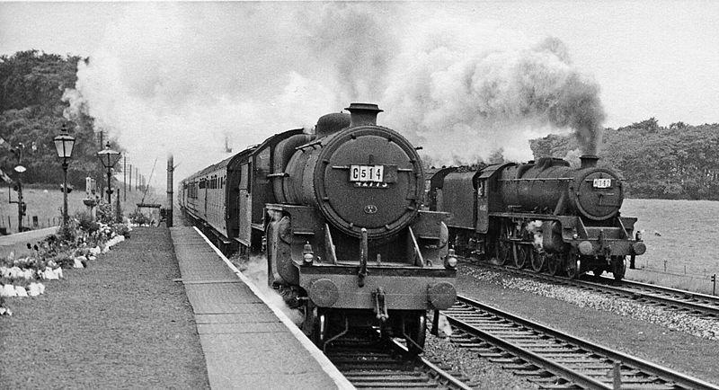 800px-Salwick_2_railway_station_geograph-2161678.jpg