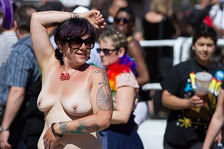 San Francisco Pride Parade 2012-17.jpg