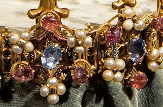 Crown of Princess Blanche - Detail of the circlet; two of the rings surmounted with hexagons, with alternating arrangements of jewels and pearls.