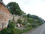 Schloss_Neugebäude,_Westliche_Gartenmauer_von_NW.jpg