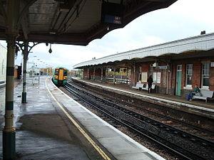 Selhurst railway station - Selhurst station platforms in 2008