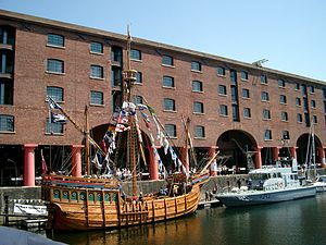 Ship and boat in the Albert Dock, Liverpool - 2003-06-13.JPG