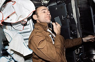 Alan Bean - Bean shaving during the Skylab 3 mission