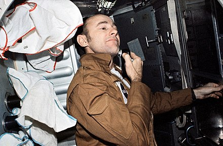 Bean shaving during the Skylab 3 mission Skylab 3 Bean shaving.jpg