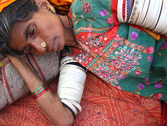 Kutchi people - A Kutchi woman sleeping in Nirona village, north of Bhuj.