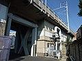 Small factory under Tokaido Shinkansen 03.jpg