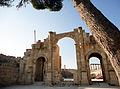 South gate of Jerash.jpg