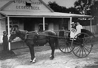 Eidsvold, Queensland - Image: State Lib Qld 1 122598 George Beck's store and bakery, Eidsvold, ca. 1910