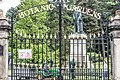 Statue Of Lord Kelvin At The Entrance To The Belfast Botanic Gardens - panoramio.jpg