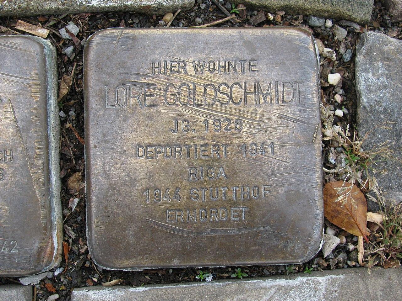 Stolperstein Lore Goldschmidt, 1, Oststraße 79, Schmallenberg, Hochsauerlandkreis.jpg