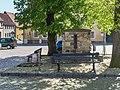 Marktbrunnen (fountain with three linden trees (garden monuments))