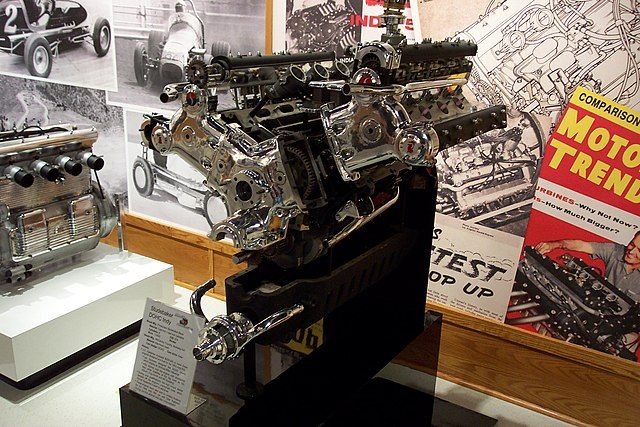 File:Studebaker Indy Engine, exploded view (1715785842).jpg ...