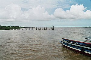 Suriname River - Image: Surinamerivier bij leonsberg