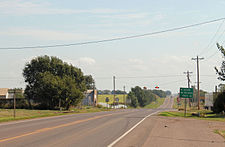 Looking east on Oklahoma State Highway 152.