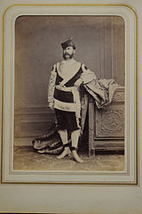 Szathmári Romanian court members in historical costume 46.jpg