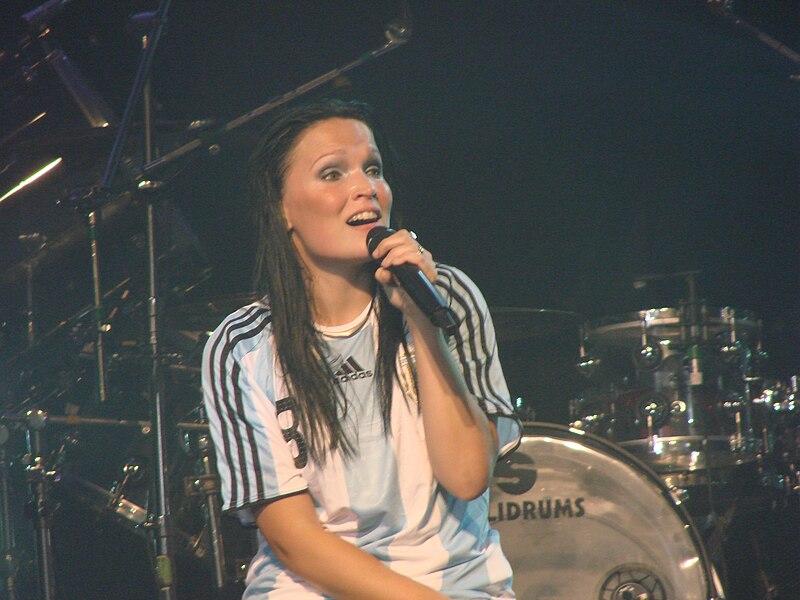 File:Tarja Turunen at Obras Stadium 2008 14.jpg