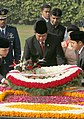 The President of Indonesia, Dr. H. Sushilo Bambang Yudhoyono laying wreath at the Samadhi of Mahatma Gandhi at Rajghat in Delhi on November 23, 2005.jpg